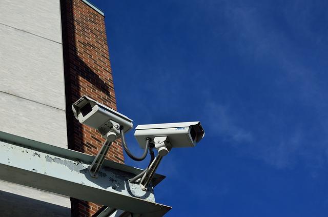 Installazione di telecamere in luogo pubblico: come funziona?